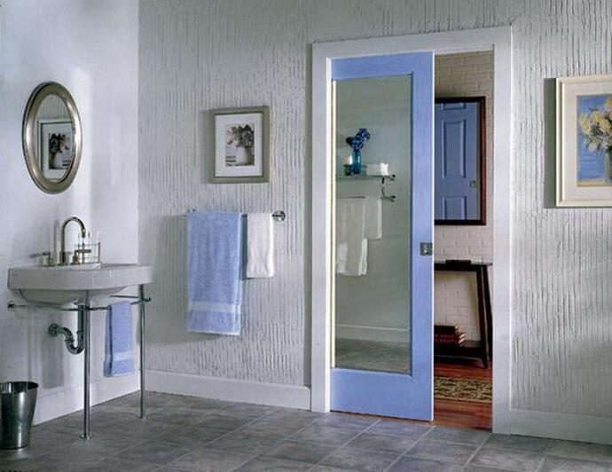 СДвижная синяя дверь стекло