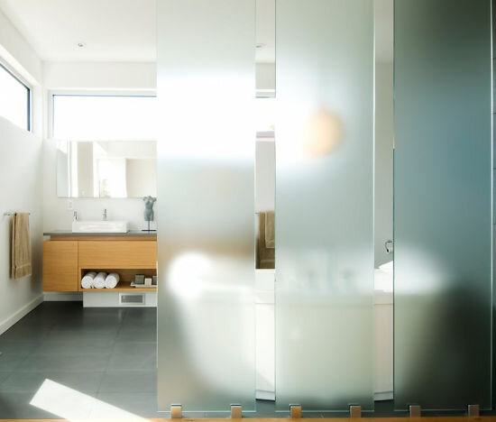 стеклянная перегородка ванная 2
